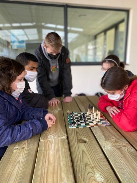 Quand les échecs s'invitent dans la cour de récréation !