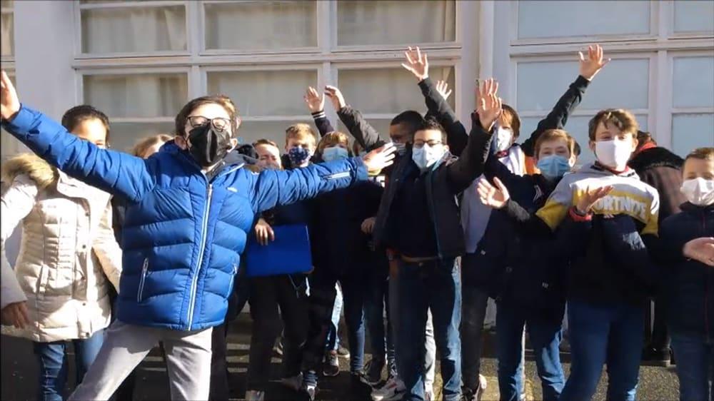 Vidéo réalisée par les 6ème pour les futurs élèves du collège Notre Dame de Kerbonne !