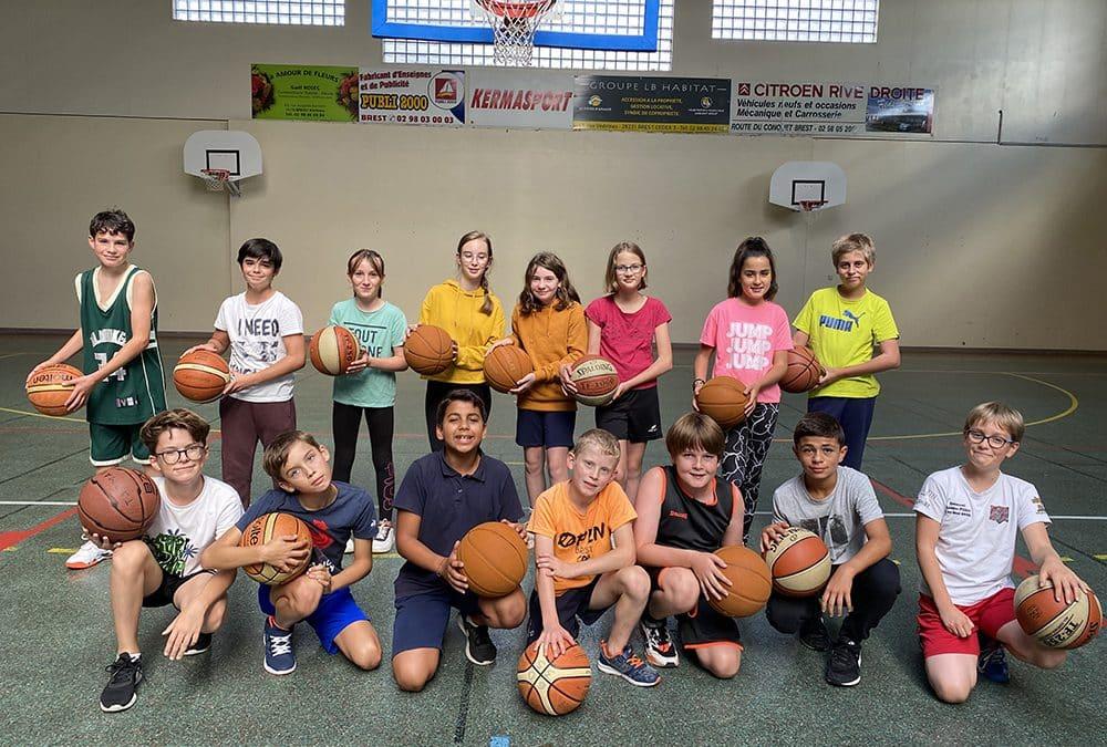 C'est parti pour la section basket au collège Notre Dame de Kerbonne !