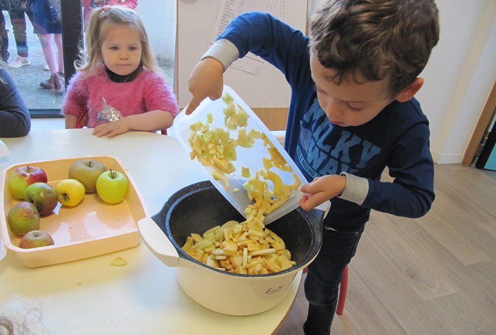 Suivre une recette : la compote de pommes !